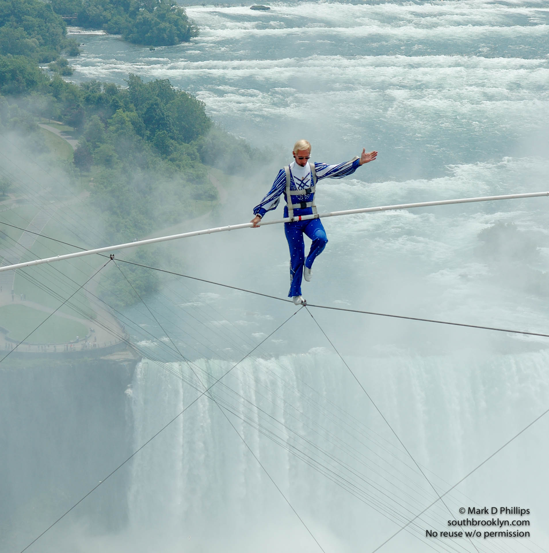 Jay Cochrane skywalks above Niagara Falls, Canada between the Niagara Fallsview Casino Resort and the Hilton Hotel on 14 June, a distance of 650 feet and 400 feet above the ground. Cochrane performed the skywalks between the hotels daily beginning June 17, 2005. The daily walks were a prelude to the ìSkylon Tower